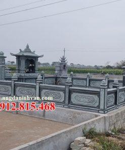 Khu lăng mộ đá tại Long An